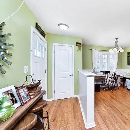 Rent this 4 bed house on 4529 Cross Street in Downers Grove, IL 60515