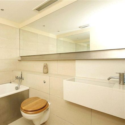 Rent this 2 bed apartment on Naxos Building in 4 Hutching's Street, London E14 8JR