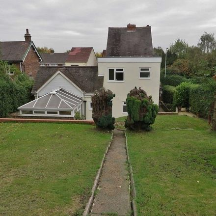 Rent this 3 bed house on Bowen Avenue in Wolverhampton WV4 6NQ, United Kingdom