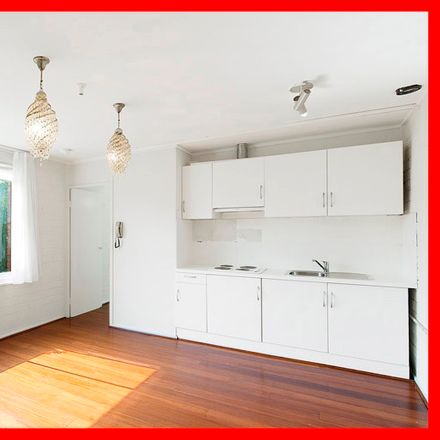 Rent this 1 bed apartment on 8/3 Somers Street