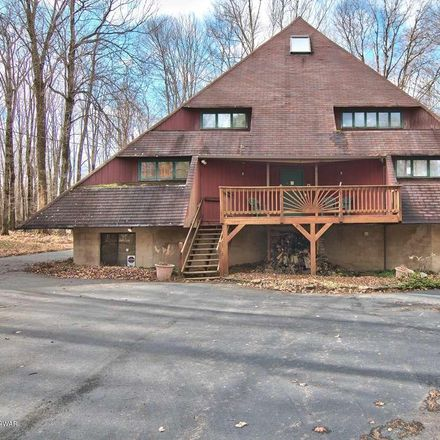Rent this 3 bed loft on 548 Parkwood Dr in Lake Ariel, PA