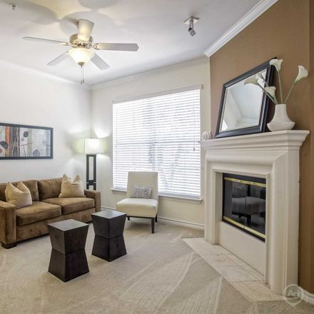 Rent this 3 bed apartment on 5665 Arapaho Road in Dallas, TX 75254