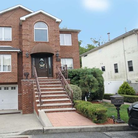 Rent this 4 bed house on 28 Gabrielle Ct in Staten Island, NY