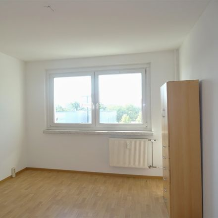 Rent this 3 bed apartment on Theodor-Weber-Straße 7 in 06132 Halle (Saale), Germany