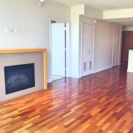 Rent this 2 bed townhouse on 325 7th Avenue in San Diego, CA 92101-6144