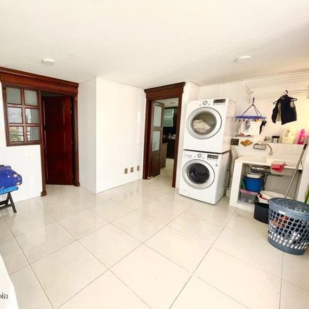 Rent this 5 bed apartment on Bugan Villa 127 Torre 4 in Carrera 11 Bis 124A-90/88, Localidad Usaquén