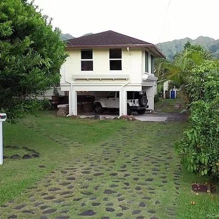 Rent this 3 bed house on 2610 Lowrey Avenue in Honolulu, HI 96822