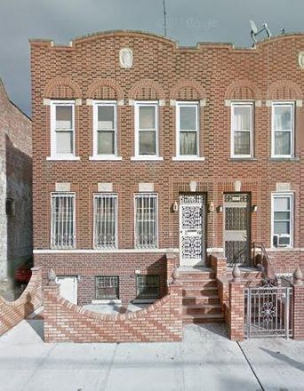 Rent this 9 bed townhouse on E 43rd St in Brooklyn, NY