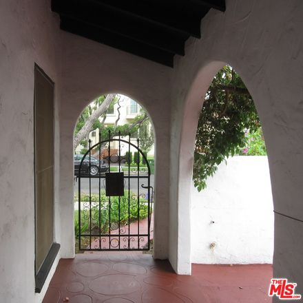 Rent this 3 bed apartment on Colgate Ave in Los Angeles, CA