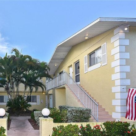 Rent this 2 bed condo on Country Rd in Fort Myers, FL