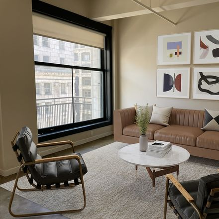 Rent this 1 bed condo on 315 West 5th Street in Los Angeles, CA 90013