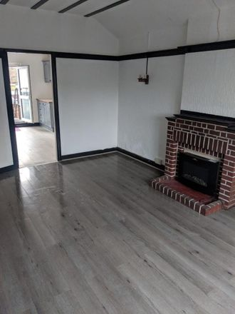Rent this 1 bed apartment on Causeway Green Primary School in Penncricket Lane, The Ashes B68 8LX