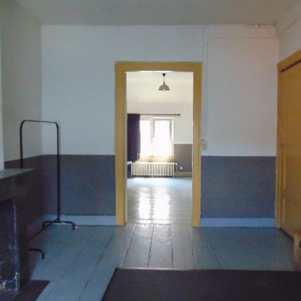 Rent this 3 bed room on Rue du Moulin 89 in 1210 Saint-Josse-ten-Noode, Belgique