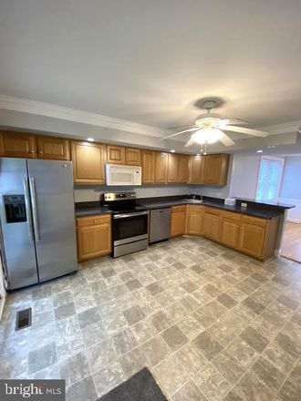 Rent this 3 bed house on 330 Summit Ave in Conshohocken, PA