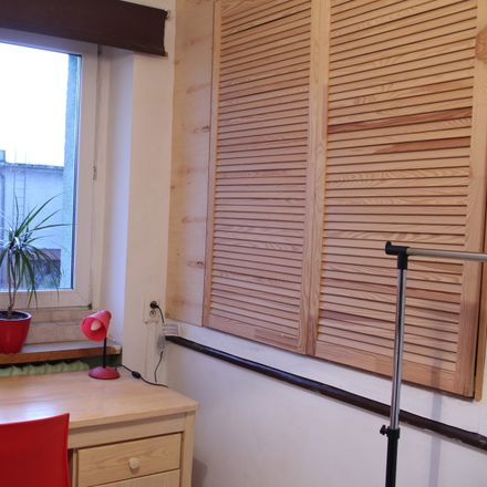 Rent this 5 bed room on Kłosowa 31 in 61-625 Poznań, Poland