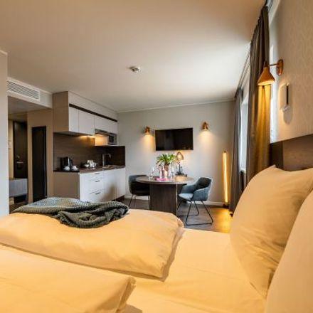Rent this 1 bed apartment on Schatzbogen 35 in 81829 Munich, Germany