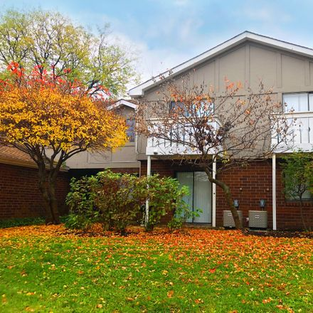 Rent this 2 bed townhouse on 431 Brandy Drive in Crystal Lake, IL 60014