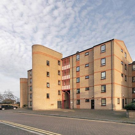 Rent this 1 bed apartment on Caledonian Wharf in London E14 3EE, United Kingdom