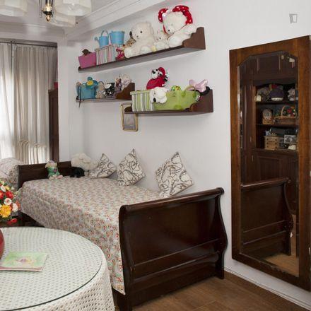 Rent this 3 bed room on Calle Virgen de Monserrat in 3, 41011 Seville