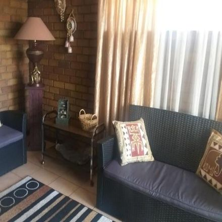 Rent this 3 bed townhouse on Regents Avenue in Anzac, Brakpan