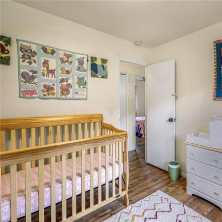 Rent this 3 bed house on Tech School Berms in Eldridge Avenue, Bellingham