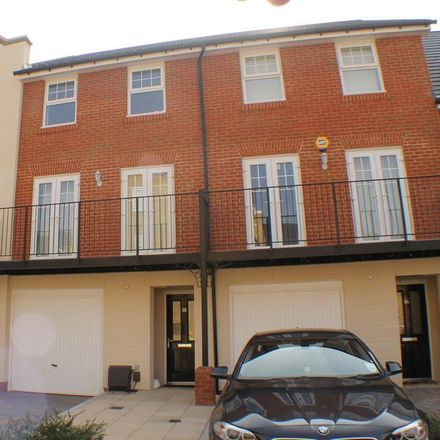 Rent this 4 bed house on unnamed road in London, BR2 9UT