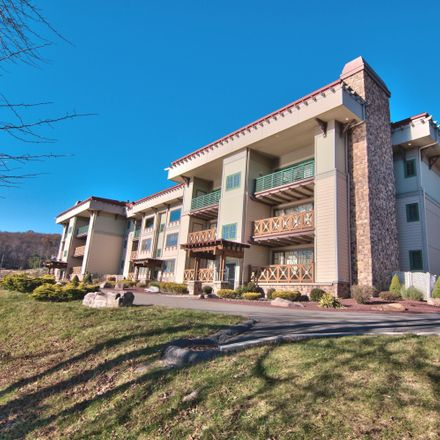 Rent this 2 bed condo on Hummingbird Way in Lake Harmony, PA