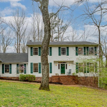 Rent this 5 bed house on Fern Trl in Signal Mountain, TN