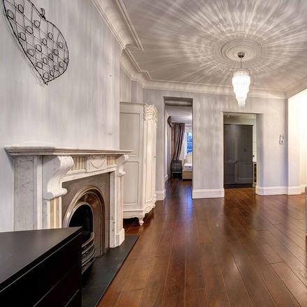 Rent this 1 bed apartment on Rodney Court in 6-8 Maida Vale, London W9 1UB