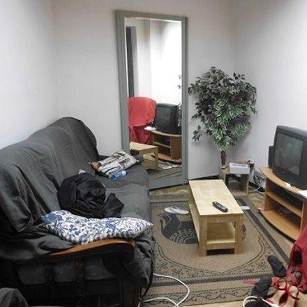 Rent this 3 bed room on Rue de la faïencerie 14 in 7000 Mons, Belgium