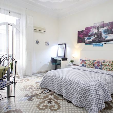 Rent this 5 bed room on Plaça de l'Ajuntament in 1, Valencia