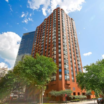 Rent this 2 bed condo on 901 South Plymouth Court in Chicago, IL 60605