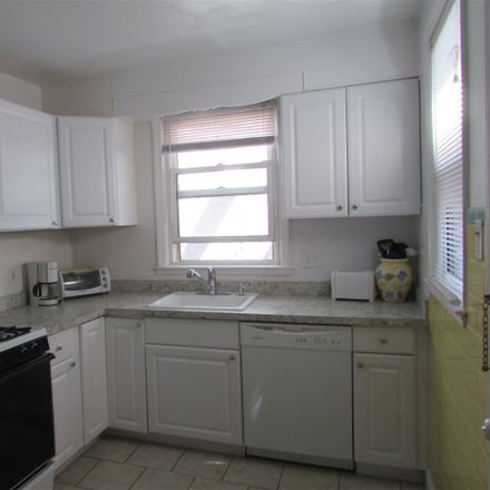 Rent this 2 bed duplex on 112 South Little Rock Avenue in Ventnor City, NJ 08406