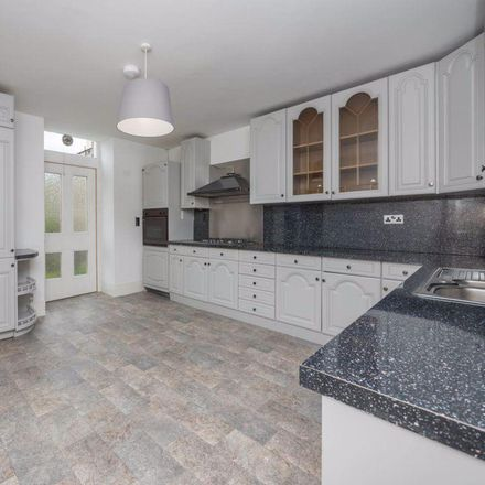 Rent this 4 bed apartment on Six Brunton Place in 6 London Road, Edinburgh EH7 5EJ