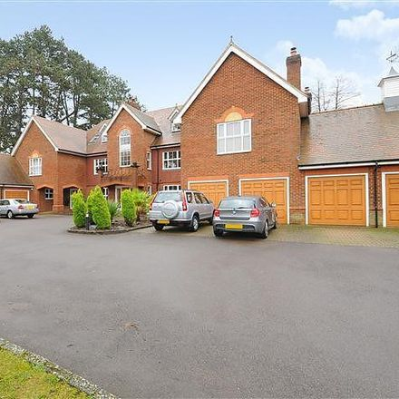Rent this 3 bed apartment on Lady Margaret Road in Sunningdale SL5 9QH, United Kingdom