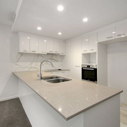 Rent this 3 bed apartment on Queen Street Stop 58 near Pedestrian Cro in Queen Street, Brisbane City QLD 4001