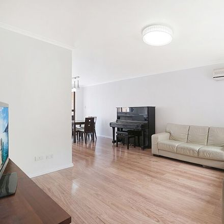 Rent this 2 bed townhouse on 34/7-15 Taranto  Road