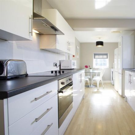 Rent this 1 bed room on Barracks Lane in Oxford Spires Academy, Oxford OX4 2AS