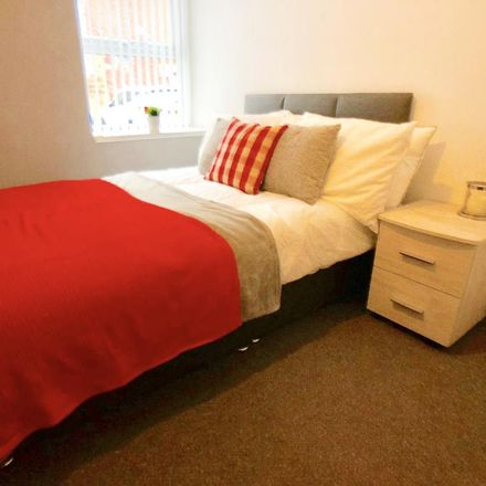 Rent this 5 bed room on Yorkshire Mortgage Company in Eastgate, Barnsley S70 2EX