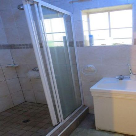 Rent this 2 bed apartment on Aureole Avenue in Johannesburg Ward 114, Roodepoort