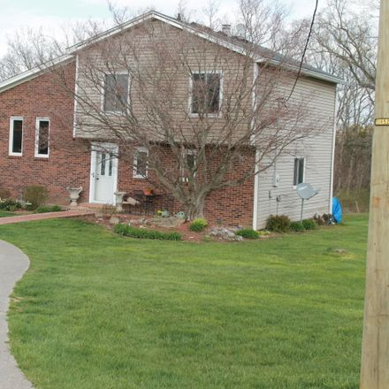 Rent this 3 bed house on Shakeland Dr in Louisville, KY