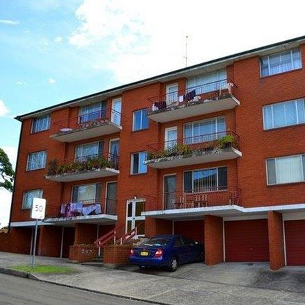 Rent this 2 bed apartment on 3/30 Rhodes Street