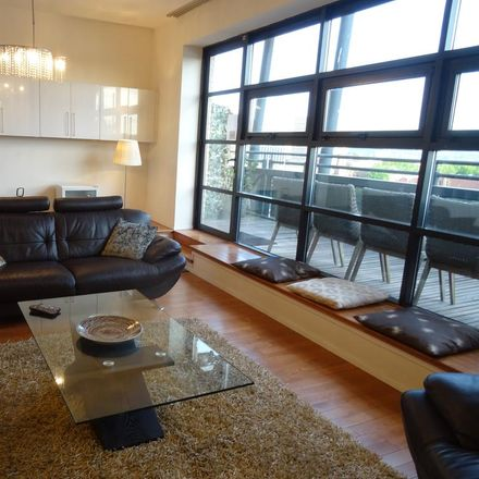 Rent this 3 bed apartment on Carrick Quay in 100-140 Clyde Street, Glasgow G1 4LH