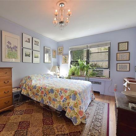 Rent this 1 bed condo on 251 Seaman Avenue in New York, NY 10034