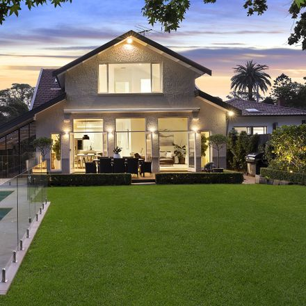 Rent this 5 bed house on 73 Macquarie Street