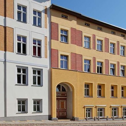 Rent this 4 bed apartment on Hörgeräte Knoll in Weinbergstraße 15, 16225 Eberswalde