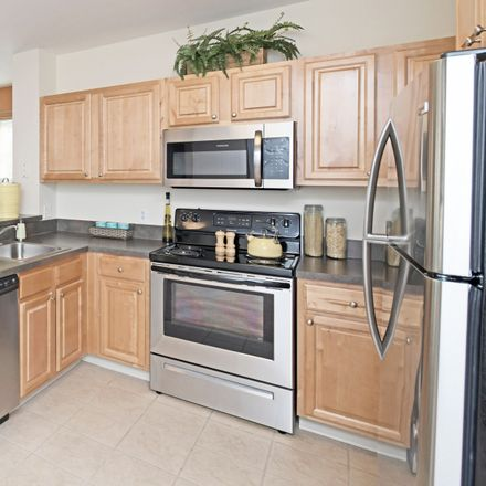 Rent this 2 bed apartment on 133 Oak Street in Franklin, MA 02038