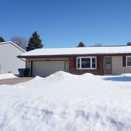 Rent this 3 bed house on 3309 Turnberry Drive in Janesville, WI 53548