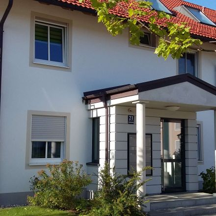 Rent this 2 bed apartment on Lohwiesenweg 19 in 85774 Unterföhring, Germany