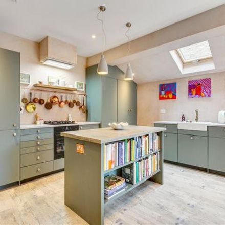 Rent this 2 bed apartment on Dunraven Road in London W12 7QY, United Kingdom